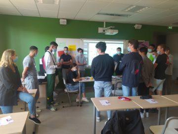 L'équipe du débat à la rencontre des lycéens Dhuoda à Nîmes
